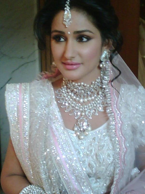 Good Wedding Makeup Artist : Ojas Rajani Bridal Makeup Artist Info and Review MakeUp ...
