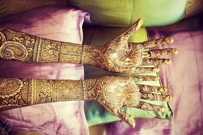 07-colorful-gala-indian-carnival-wedding (15)