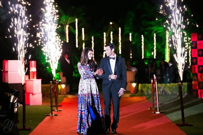 22-colorful-gala-indian-carnival-wedding (20)