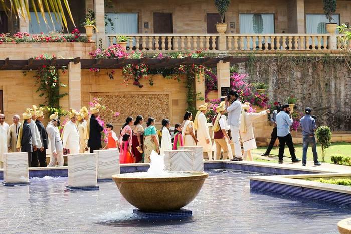 33-colorful-gala-indian-carnival-wedding (11)