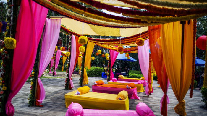 1-colorful-decor-for-mehendi-001
