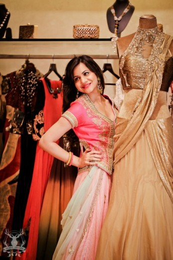 2-cute--light[ink-lehenga-with-hot-pink-blouse (2)