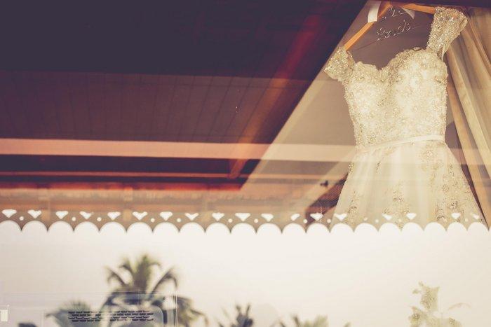 05-white-dress