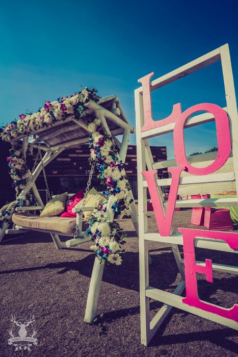 34-love-sign-at-indianwedding