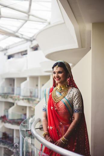 1427443295_SaharaStar-Mumbai-Hindu-Wedding-Photography-Intocandid-MA-15