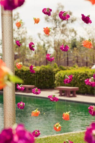 10 unexpected ways to use flowers at your wedding wedmegood creative flower decor indianwedding 011 junglespirit Image collections