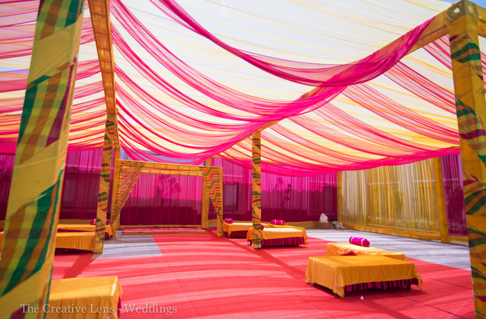 Diy Wall Draping For Weddings That Meet Interesting Decors: A Colorful Affair In Delhi With Flashes Of Hot Pink