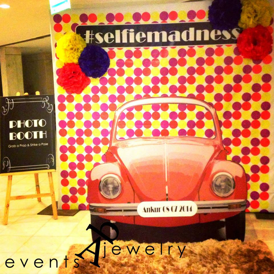 10 Awesome Photo Booth Backdrops For Your Mehendi